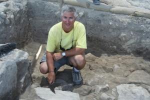 Eric-Cline-at-Megiddo-high-res-300x200